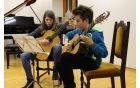 Duo kitarski nastop Deje Manfreda in Uroša Terlikarja. Foto: arhiv Občine Kobarid