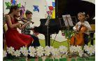 Med neuradnim delom so zapeli učenci glasbene šole.