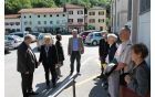 Župan Občine Kobarid Robert Kavčič sprejel ministrico za okolje in prostor Ireno Majcen, ki je skupaj z delegacijo obiskala Kobarid. Foto: Nataša Hvala Ivančič