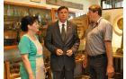 Predsednik si je ogledal tudi zasebno zbirko predmetov iz 1.svetovne vojne dr.Bojana Rustja. Foto: T.Š.F.