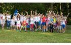 Otroci na humanitarnih športnih počitnicah Veter v laseh