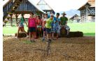 Stara družabna igra kozo zbijat je navdušila, foto Franci Pepelnak - Pep