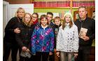 Učenci OŠ Cirkovce in mentorica Jerneja Kuraj na literarnem večeru