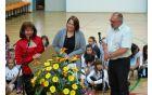 Ravnateljica Milka Zimic, vodja protokola Lora Zimic, župan Andrej Maffi. Foto:  OŠ Kanal