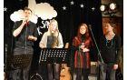 Ne mine niti dan je zapel Klemen Dovjak v spremljavi saksofonistke Klare Lavriša ter vokalistk Barbare Mlinar in Irene Hozjan.