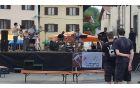 Tekače je na startu pospremila himna Kobariškega teka »Pridi tudi ti!«, kobariškega kantavtorja Boruta Skočirja. Foto: Nataša Hvala Ivančič
