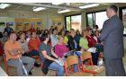 Ravnatelj Primož Garafol je staršem prvošolcev obljubil, da se bodo na šoli trudili za prijetno sobivanje otrok učiteljev in staršev.