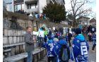 Mladi hokejisti pozdravljajo olimpijce.