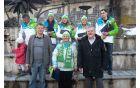 Katja Višnar, Alenka Čebašek, Nika Razingar in Klemen Pretnar, spodaj voditelj prireditve , direktorica Turizma Eva Štarvs Podlogar in župan Janez Fajfar.