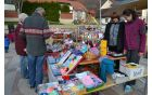 Pestra je bila izbira pletenih copatkov, kapic, rokavic in nakita.