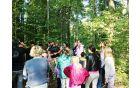 V gozdu z Branetom Červekom in njegovim asistentom Andrejem.