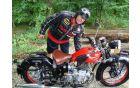 Maks Vrečko in njegov BIANCHI 500M po spretnostni vožnji
