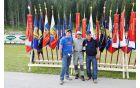 Pod vrhniškim praporom: (z leve) predsednik ZB NOB Vrhnika Janez Kikelj, praporščak ZB Vojko Jerina in predsednik PVD Sever Vrhnika-Logatec Zdravko Godnjavec.