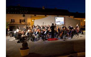 Zaigral je Simfonični orkester Domžale - Kamnik