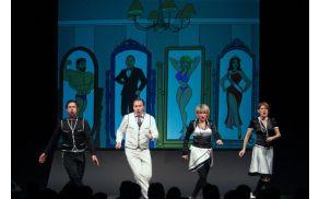 Prva abonmajska predstava Ljubim te - spremeni se!,  ki bo v Desklah 22. Oktobra 2011.    Foto: Mare Vavpetič /Zaklop