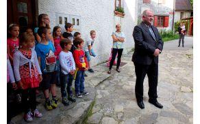 Zbrane je pozdravil in nagovoril kobariški župan Robert Kavčič.