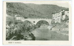 Črnobela razglednica/Črnobela kartolina od Kanala, Foto: Tanja Rijavec