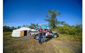 Katja in Matej na poti v Mongolijo
