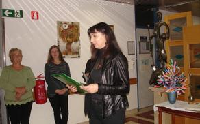 Elena Siogmund je predstavila razstavljena dela.