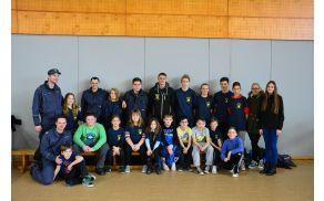 Pionirji in mladinci z mentorji na kvizu mladine