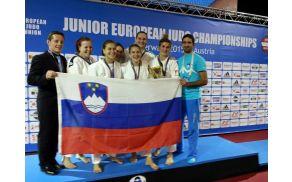 Velik ekipni uspeh za slovenske mladinke (Foto: JZS)