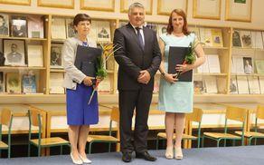 Apolonija Rugelj, Rupert Gole in Janja Grebenc po podelitvi priznanj