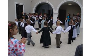 Otroška folklorna skupina OŠ Cirkovce