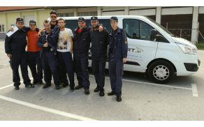 Člani A so prispeli na tekmovanje z kombi prevozi Ribnica
