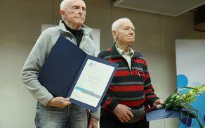 France Zupan in Rado Kočevar, prejemnika priznanja za življenjsko delo v alpinizmu (foto Irena Mušič Habjan)