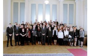 Prostovoljci na obisku pri predsedniku Pahorju (foto vir: fb Aleš Drekonja)