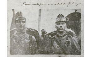 Leopold Vadnjal z Brega pri Borovnici (desno) pred odhodom 17. pešpolka na rusko fronto