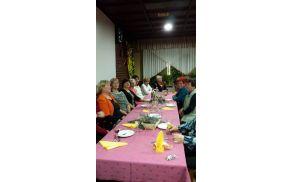 Tokrat se je skupina deklet zbrala v pri Kurešu v Šikolah.