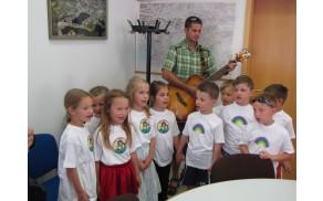 Otroci vrtca Mavrica so presenetili s svojim nastopom