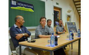 Omizje o gospodarstvu (z leve): Marjan Batagelj, Tino Mamić, Zmago Petrič in Uroš Slak.