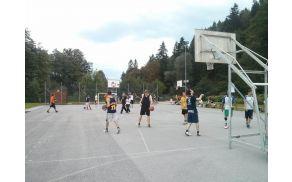 Košarkaško tekmovanje trojk - ŠD Topole