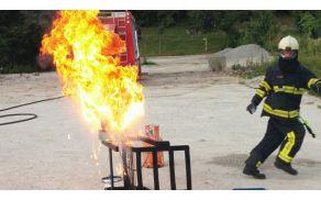 Gasilska vaja Požar v kuhinji