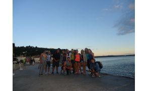V Alteršoli smo mladim, ki so redno obiskovali projekt Kompetence za življenje, omogočili brezplačen izlet na morje.