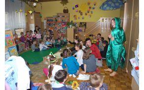 Učenci in otroci skupine Lunice iz vrtca Najdihojca ...