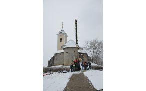 Skupinska fotografija pri cerkvi sv. Urha