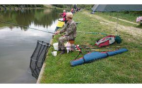 Območno tekmovanje invalidov v lovljenju rib s plovcem je potekalo na ribniku Brdine