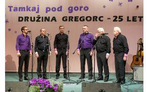 Družina Gregorc – Tadej, Elči, Luka, Leon, Tone in Jože (od leve proti desni)