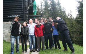 Od leve: Robi Lipovšček, Valerija Grilj, Boštjan Toman, Rok Slapnik, Matevž Jeras, Fabijan Leskovec, Jože Kremzer, Leon Kogelnik, Saša Kramar in Rok Šoštarič
