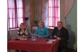 Dr. Rozina Švent, Marija Ahačič Pollak, prof. dr. Janez Bogataj (foto Media butik)