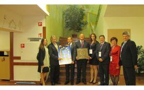 Delegacija Slovenskih Konjic po prevzemu priznanja