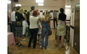 Gledalci so z zanimanjem prisluhnili avtorjem. Foto: Severin Drekonja