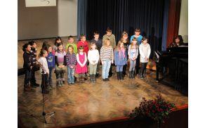 Otroški pevski zbor Zvezdice Podružnične šole Blagovica