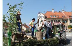 Kmečki praznik v Ločah obuja stare običaje