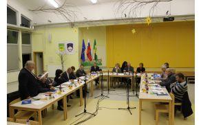1_konstitutivna-seja-2014-5.jpg