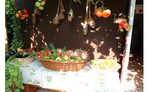 *Doma pridelana hrana