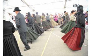Krstni ples na Angelsko nedeljo. Foto: Robert Rijavec